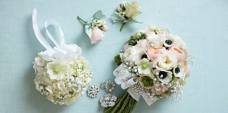 London Florist Weddings White Bridal Bouquets and Buttonholes Amanda Austin Flowers