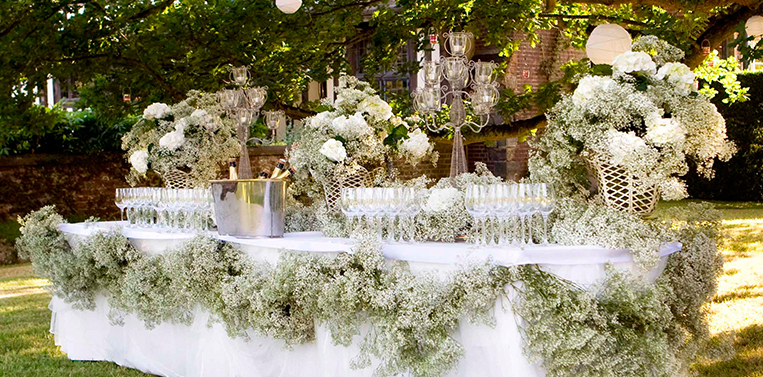 London Wedding Florist Baby's Breath Table Setting Amanda Austin Flowers